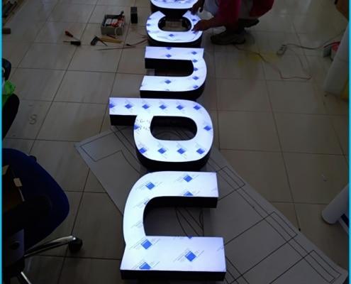 litery podświetlane nowy sącz